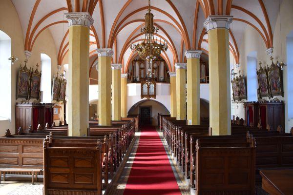 cerkev-leskovec4F39643E-B3B3-8D9D-6CB5-26383C62A4B2.jpg