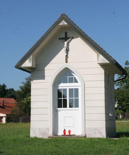 kapelica-gmajnaFC0EFA26-1983-2E91-804A-D70DE4D150E0.jpg